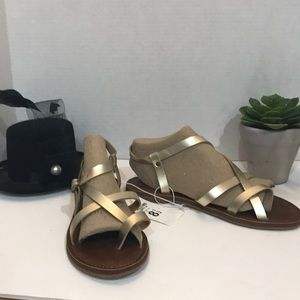 Women's Lavinia Thong Sandals Gold Size 8.5 New